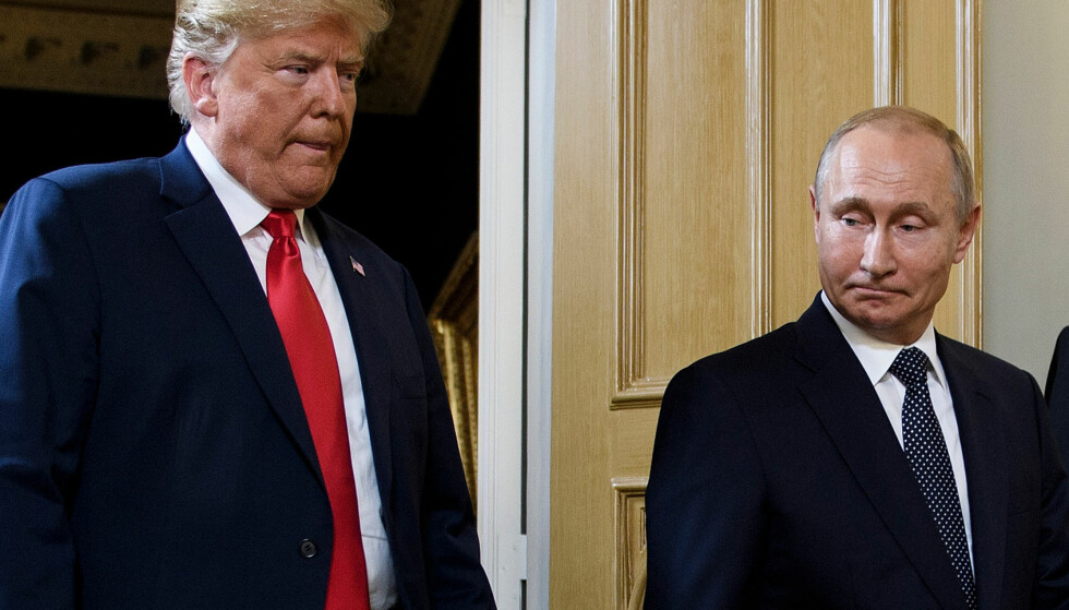 ETTERFORSKNING: USAs president, Donald Trump, sammen med sin russiske motpart, Vladimir Putin. Foto: Brendan Smialowski / AFP