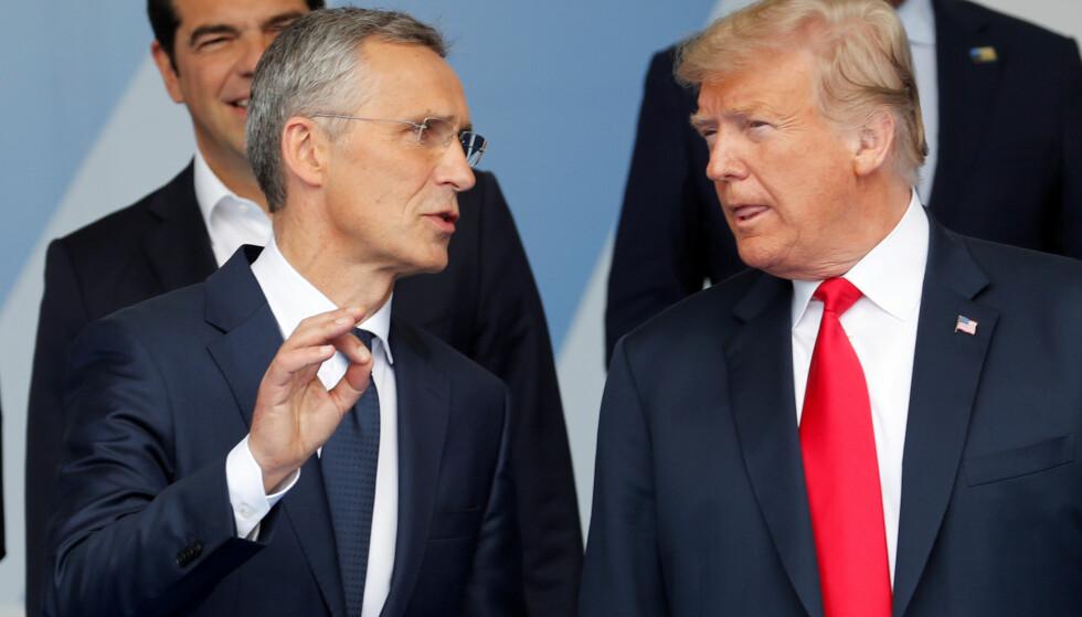 - MENER ALVOR: Jens Stoltenberg, generalsekretær i Nato, mener det vil være uklokt å tro at Donald Trump ikke mener alvor med truslene sine. Her er de to avbildet sammen i forbindelse med Nato-toppmøtet i Brussel i fjor sommer. Foto: Yves Herman / Reuters / NTB Scanpix