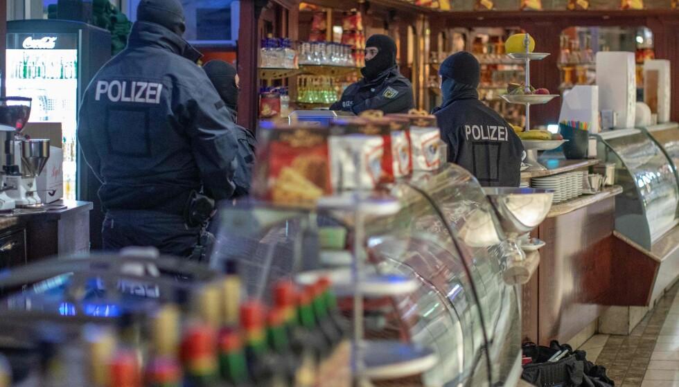 RAZZIA: Politi i Tyskland, Italia, Luxembourg, Nederland og Belgia deltok i en storaksjon mot den italienske 'Ndrangheta-mafiaen onsdag. Foto: AFP / NTB Scanpix