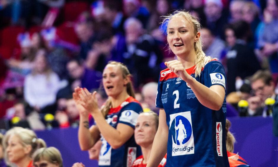 STOR FRAMTID: Henny Reistad er Norges store håndballtalent. I kveld må Reistad og Norge håpe på hjelp fra blant annet Ungarn mot Romania. Foto: Fredrik Varfjell / Bildbyrån