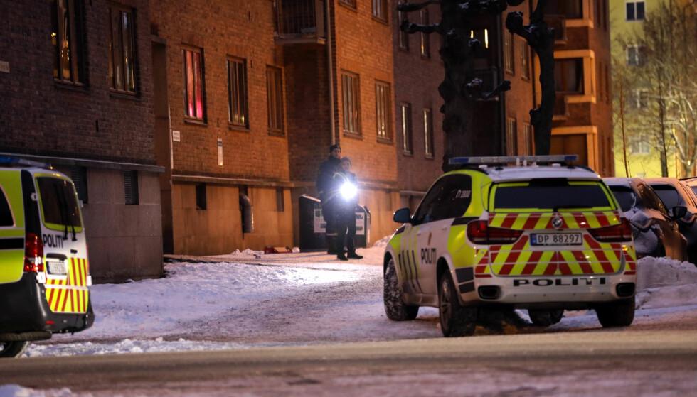 POLITI: Politiet oppsøkte et boligbygg på Torshov i Oslo i etterkant av hendelsen. Foto: Dagbladet