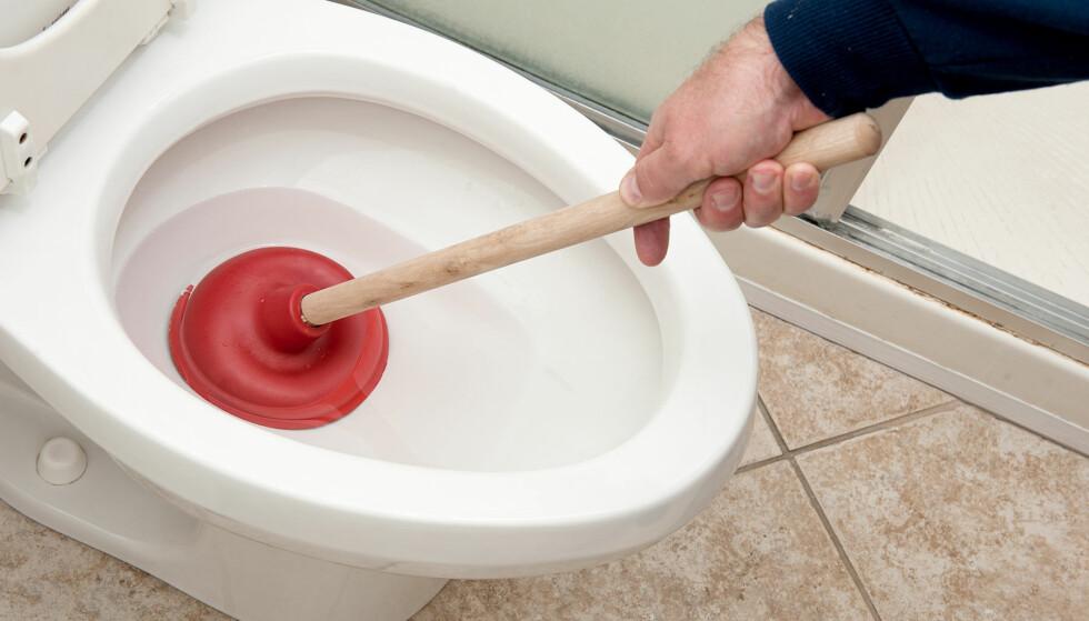 TETT: Husk de to v-ene når du skal fikse et tett sluk: vann og vakuum. Foto: Shutterstock