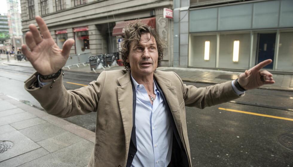 KNALLHARDT: Petter Stordalen sier han gjør det han kan for å forebygge lovbrudd der han bygger hotell: - Men det vil alltid være noen som prøver å utnytte systemet. Da får vi ta de og slå knallhardt ned på det, sier han. Foto: Øistein Norum Monsen