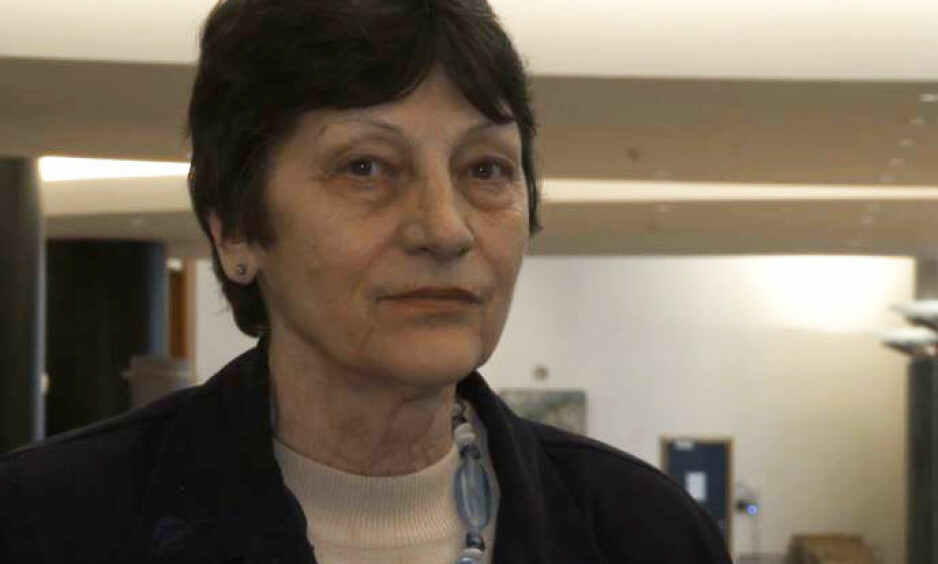 - STORBRITANNIAS VERSTE NETTROLL: Sabine McNeill omtales som det verste nettrollet noensinne i Storbritannia. Nå er hun dømt til fengsel. Foto: YouTube