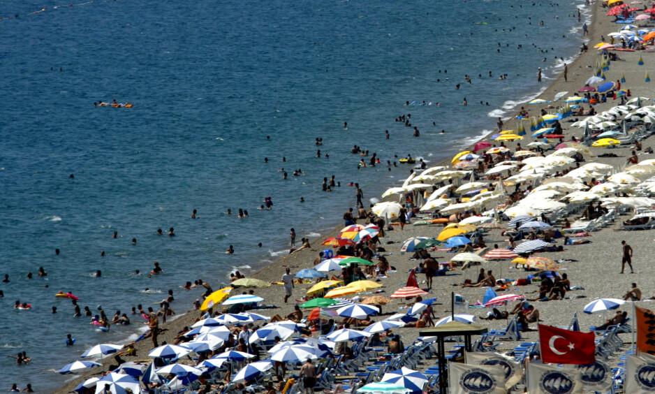 STYRKER ERDOGAN: Turistinntektene er som smøring for krigsmaskineriet og de styrker president Erdogans grep om makta, skriver innsenderen. Foto: AP / NTB Scanpix