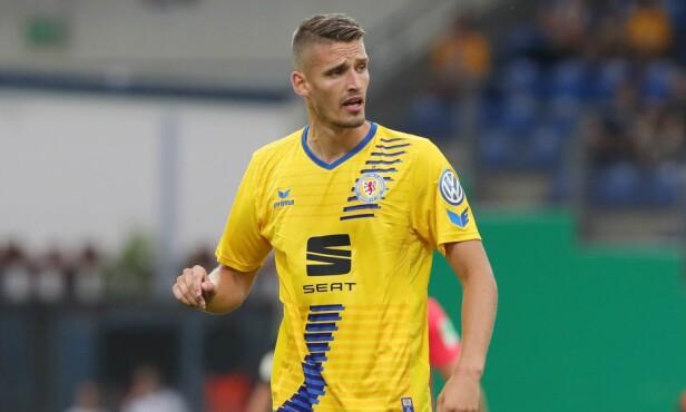 I SØKELYSET: Eintracht Braunschweig-spiller Gustav Valsvik. Foto: NTB scanpix
