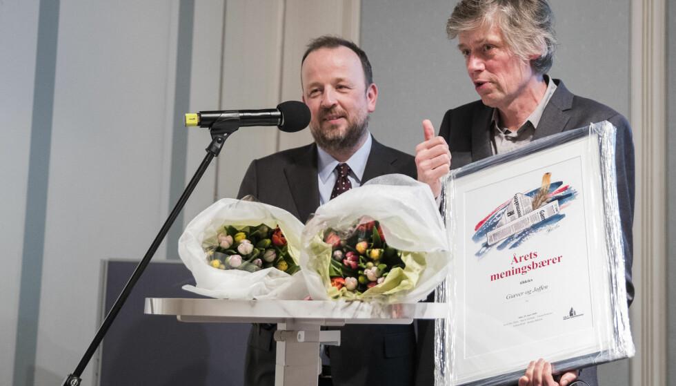 UTE: Frithjof Jacobsen (tv) (her med Anders Giæver fra VG) meldte i går at han slutter på dagen i avisa. Foto: Håkon Mosvold Larsen / NTB scanpix