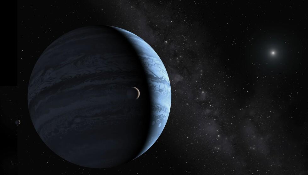 LANGT, LANGT UTE: Slik ser en kunstner for seg Planet ni, som ifølge teorier ligger gjennomsnittlig 700 astronomiske enheter (avstanden mellom jorda og sola) fra sola, som skimtes langt, langt i det fjerne. Illustrasjon: Science Photo Library / NTB Scanpix