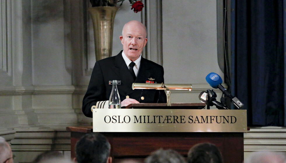 NYE SIGNALER: Forsvarssjef Haakon Bruun-Hanssen holder sin årlige tale i Oslo Militære Samfund mandag kveld. Foto: FREDRIK HAGEN / NTB scanpix