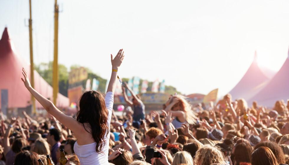 PILLETESTING: Å tilby «pilletesting» handler om å bevisstgjøre ungdommene om at rusmidlene kan være forfalskninger og om å komme i posisjon til å snakke med dem om risikoen ved bruk av illegale stoffer, skriver artikkelforfatterne. Foto: Shutterstock / NTB Scanpix