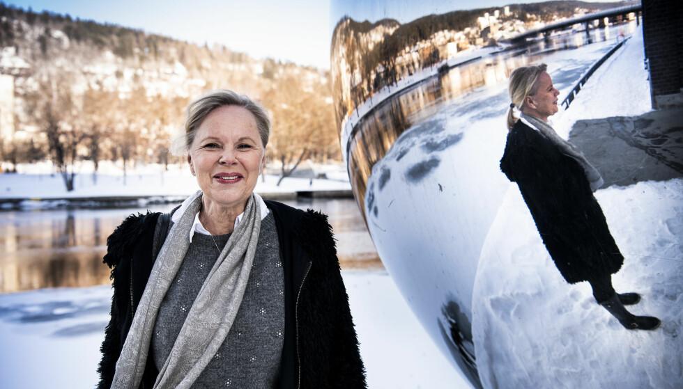 FLEKSIBLE DAGER: Berit Bjerknes hoppet av karrierekarusellen etter mange år i ulike lederposisjoner. Nå tar hun seg til og med tid til en luftetur utendørs i lunsjen. Foto: Lars Eivind Bones