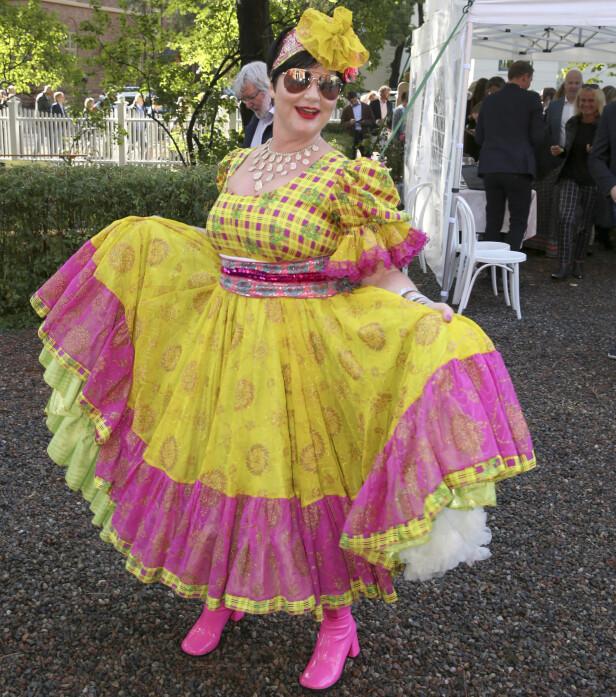 FARGERIK: Den folkekjære komikeren og TV-profilen har både en fargerik klesstil og personlighet. Foto: NTB Scanpix