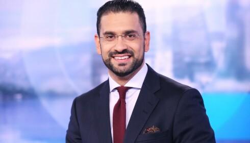ANKER: Yama Wolasmal (36) begynte som nyhetsanker i Dagsrevyen høsten 2017. Før det var han anker og programleder i TV 2. Foto: NRK