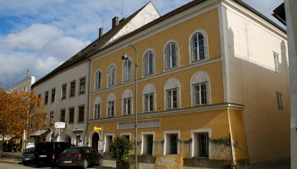 DYRT: Hitlers fødehjem i byen Braunau am Inn i Østerrike vil koste den østerriske staten nærmere 15 millioner kroner. Foto: NTB Scanpix