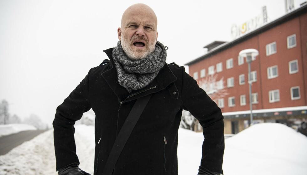PÅ HJEMTRAKTENE: Arne Svingen er oppvokst på Grorud. Nå har han skrevet ungdomsromanen om «Herman» som alltid har blodige knoker. Foto: Lars Eivind Bones