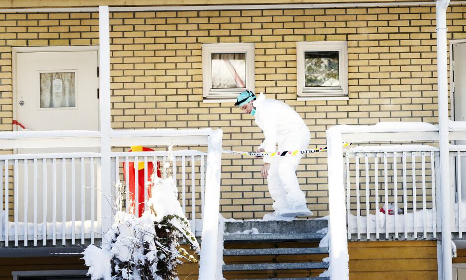 ÅSTED: Krimteknikere jobbet torsdag og fredag på det som beskrives som et krevende åsted. Foto: Henning Lillegård