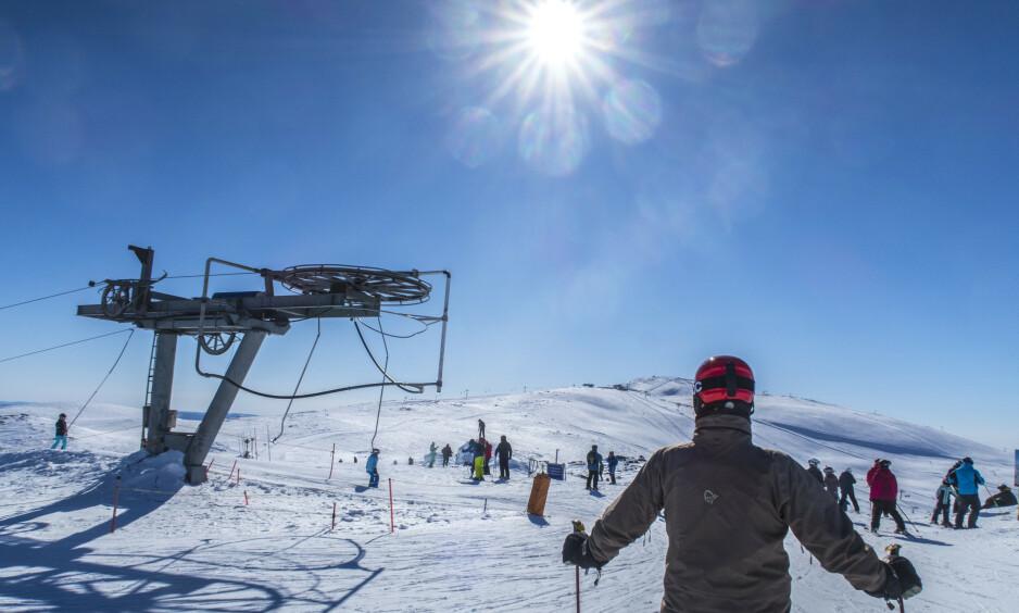 FINVÆR: Det er ventet at årets vinterferievær ikke blir like fint som her i Trysil i fjor. Foto: Halvard Alvik, NTB scanpix.