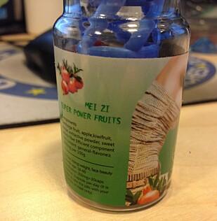 FORBUDEN FRUKT: Meizi utgir seg for å være fruktdrikke, men analyser viste at flasken inneholdt dopingmiddelet Sibutramine. Foto: Tollvesenet