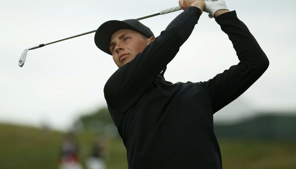 FØLGER DRØMMEN: Kristoffer Reitan ligger an til å bli en av landets fremste golfspillere. Her fotografert under US Open i sommer. Foto: NTB scanpix