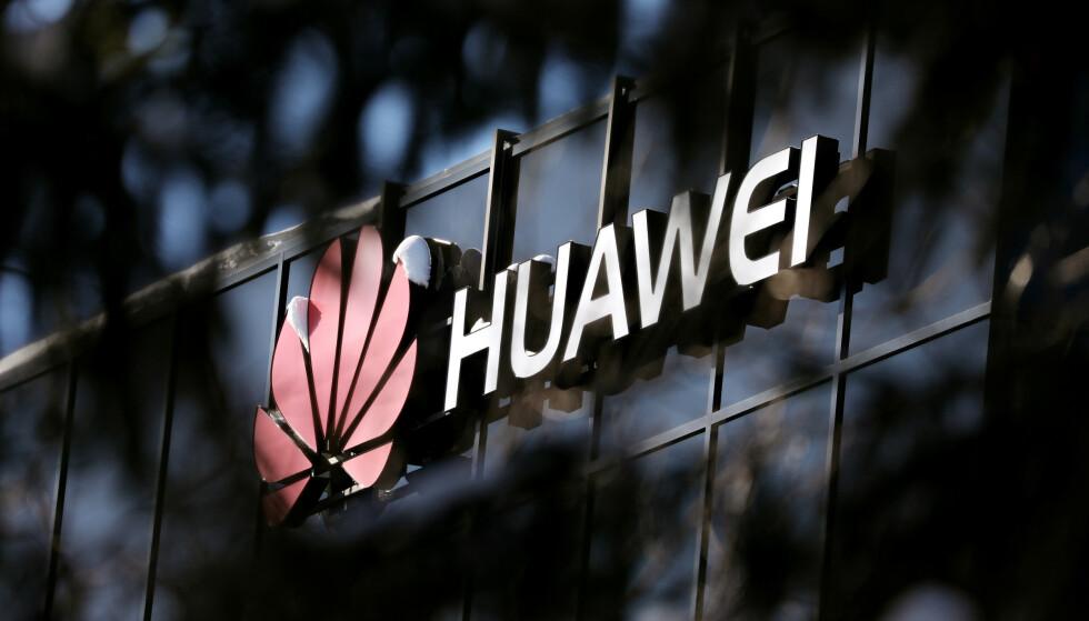 GRØNT LYS: Britiske myndigheter skal ha konkludert med at risikoen med å bruke utstyr fra den kinesiske telegiganten Huawei i 5G-nettet er håndterbar. Foto: Reuters / NTB Scanpix
