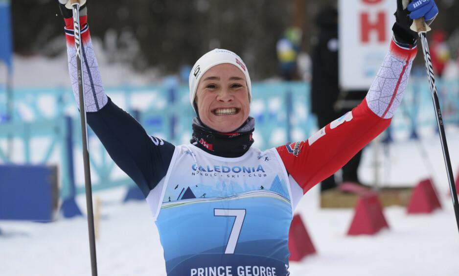 MEDALJE: Birgit Skarstein tok bronse på 5 km sittende under para-VM i langrenn søndag. Foto: Norges Skiforbund / NTB scanpix