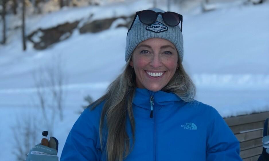 OMFATTENDE OPERASJON: Programleder Jannecke Weeden opplyser at hun er i store smerter, og at det nå venter en lang rekonvalesens. Foto: Privat