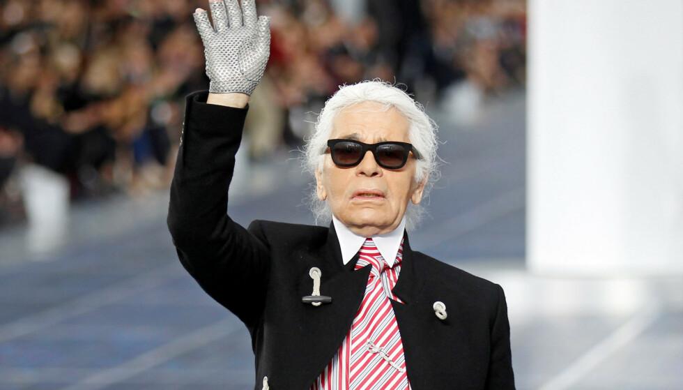 IKON: Karl Lagerfeld var et av motebransjens desidert største ikoner. Tirsdag døde han i Paris, 85 år gammel. Foto: NTB scanpix