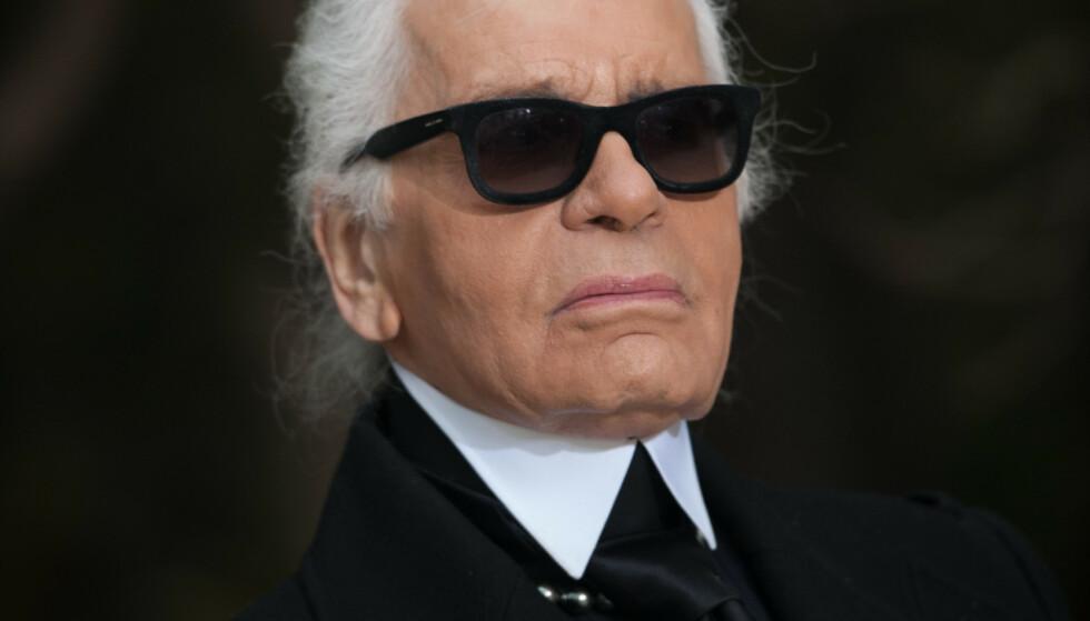 FORVIRRING: Karl Lagerfeld døde på tirsdag, og ble muligens 85 år gammel. Det er nemlig hevdet at han er født i flere forskjellige år på 1930-tallet, og han har selv vært sprikende i sin forklaring. Foto: NTB scanpix