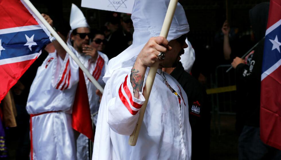 LYNSJING: En amerikansk redaktør ber Ku Klux Klan «lynsje demokrater». Foto: REUTERS / Jonathan Ernst / NTB scanpix