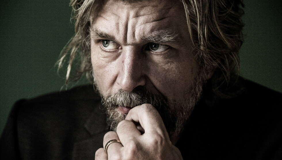 PRIS: Karl Ove Knausgård mottar Svenska Akademiens Nordiske litteraturpris. Foto: Lars Eivind Bones / Dagbladet