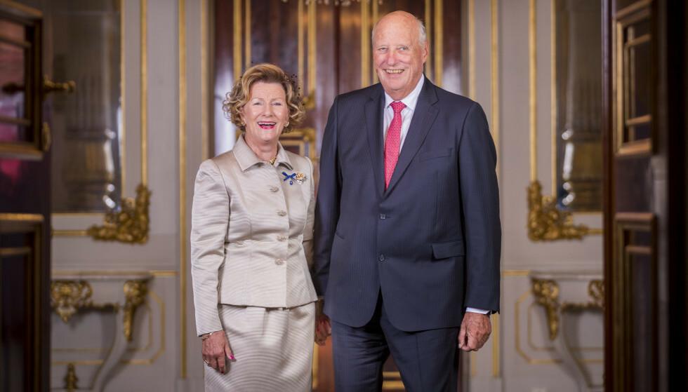 BURSDAG: I dag fyller kongen 82 år. Her er han avbildet med dronning Sonja (81) i forbindelse med gullbryllupet deres i august i fjor. Foto: NTB Scanpix