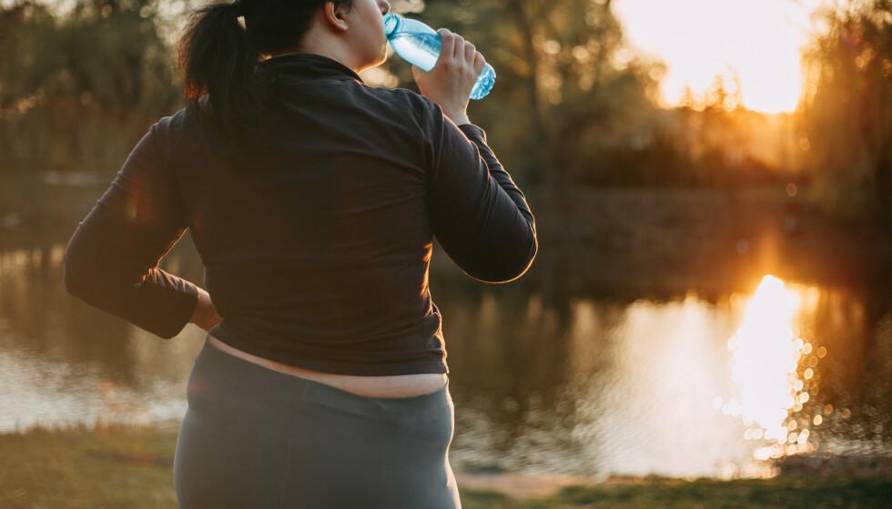 VIL, MEN FÅR IKKE TIL: De fleste nordmenn er overvektige, og en ny undersøkelse viser at halvparten ønsker å gå ned i vekt. Vi får det bare ikke helt til. Foto: NTB scanpix