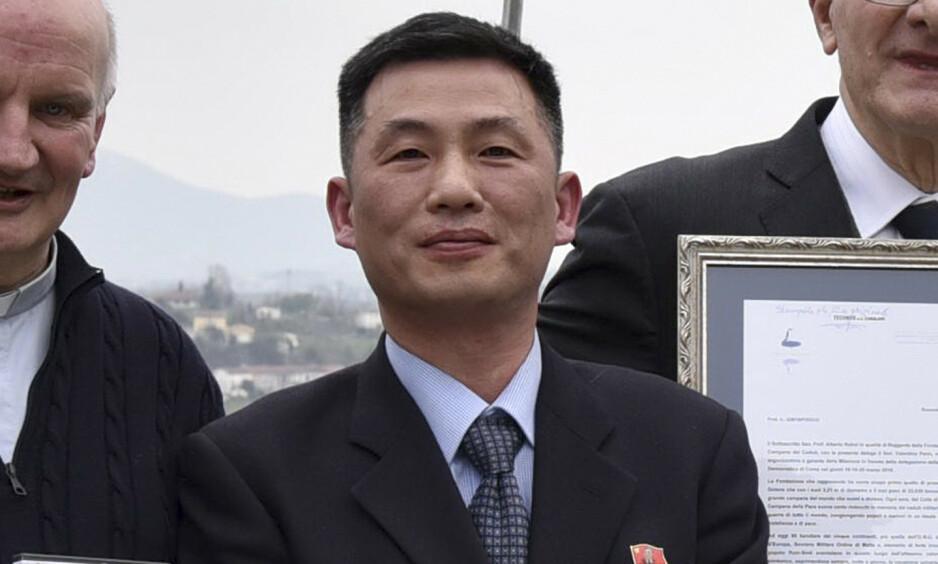 FORSVANT: Nord-Koreas ambassadør til Italia, Jo Song-gil forsvant i november i fjor. Akkurat hvor han befinner seg nå, er ikke kjent, men han skal ha søkt asyl i et europeisk land. Foto: Parish of Farra di Soligo via AP / NTB scanpix