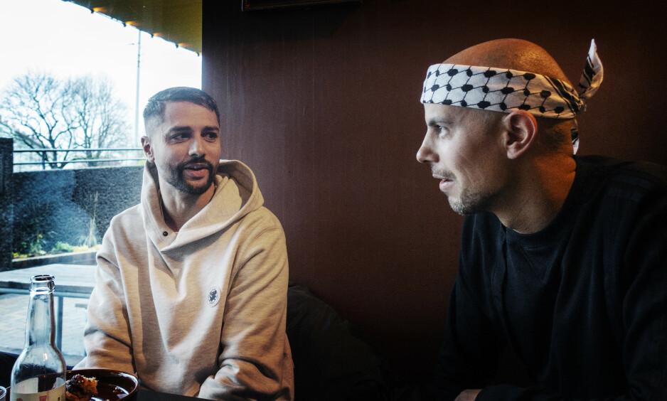 SLIPPER NYTT ALBUM: Rapduoen Karpe avslører at de er i ferd med å slippe et nytt album. Allerede ved midnatt kan fansen glede seg over ny musikk. Foto: Frank Karlsen