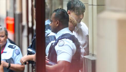 LIVSTID: James Gargasoulas er her avfotografert på vei inn i rettslokalet i forbindelse med domsavsigelsen. Foto: AAP Image / David Crosling / via REUTERS / NTB scanpix