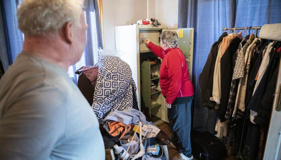 SKAPET: Våpenskapet med safen sto på soverommet da ranerne slo til. Der fant de svært store verdier. Foto: Lars Eivind Bones / Dagbladet