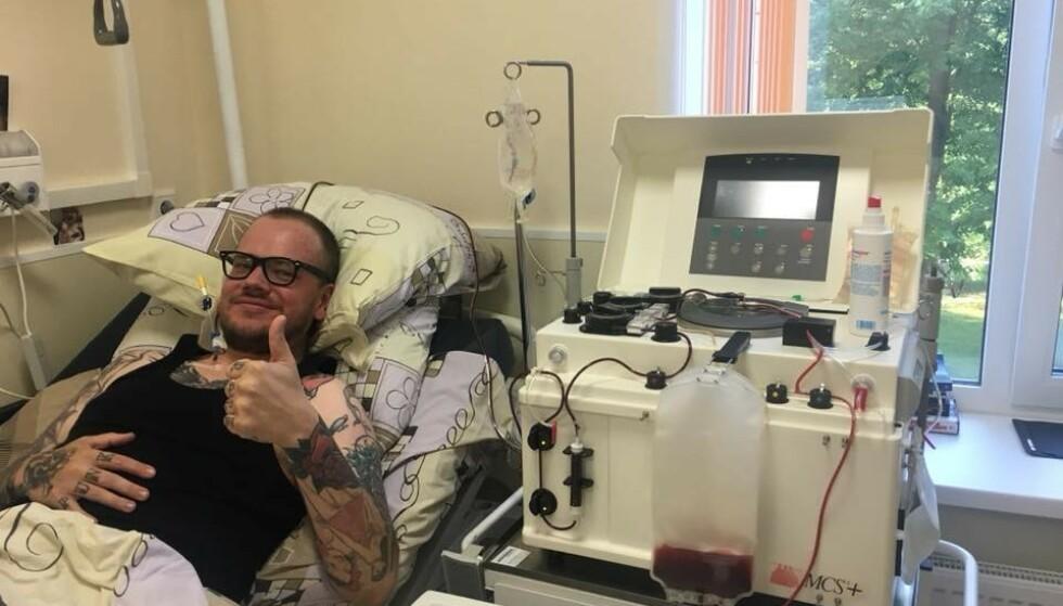 STAMCELLEBEHANDLING: I fjor sommer reiste Magnus til Moskva for å få stamcellebehandling for MS. Foto: Facebook / Magnus Leirvaag Sandnes