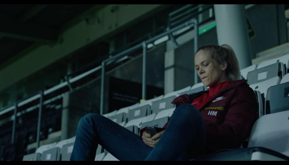 Når du har vunnet mot Rosenborg, men ikke har noen å dele det med. Foto: NRK