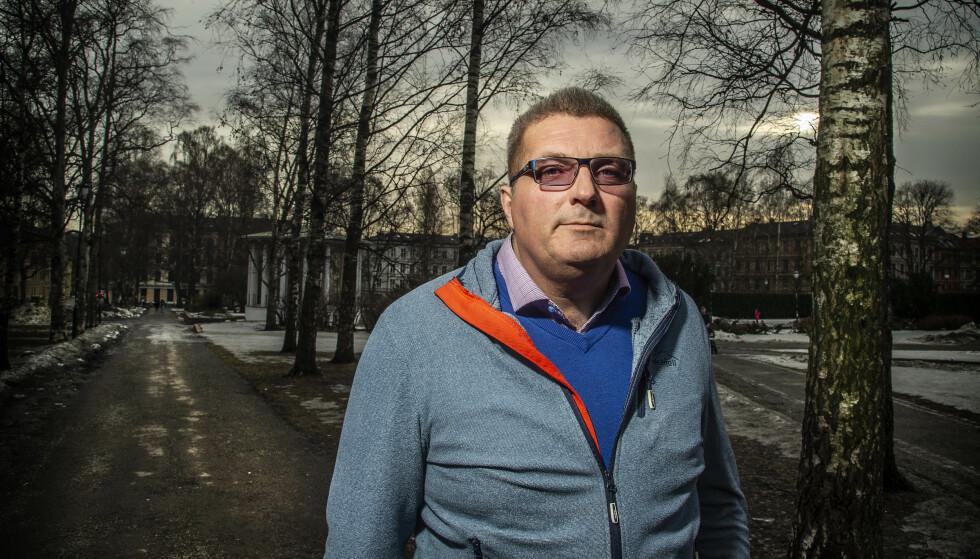 VIL FORTELLE: Tom Ole Seljordslia fra Notodden vil sette lys på de kreftformene med dårlig prognose. Selv har han blitt operert for hjernesvulst to ganger og får nå cellegift.