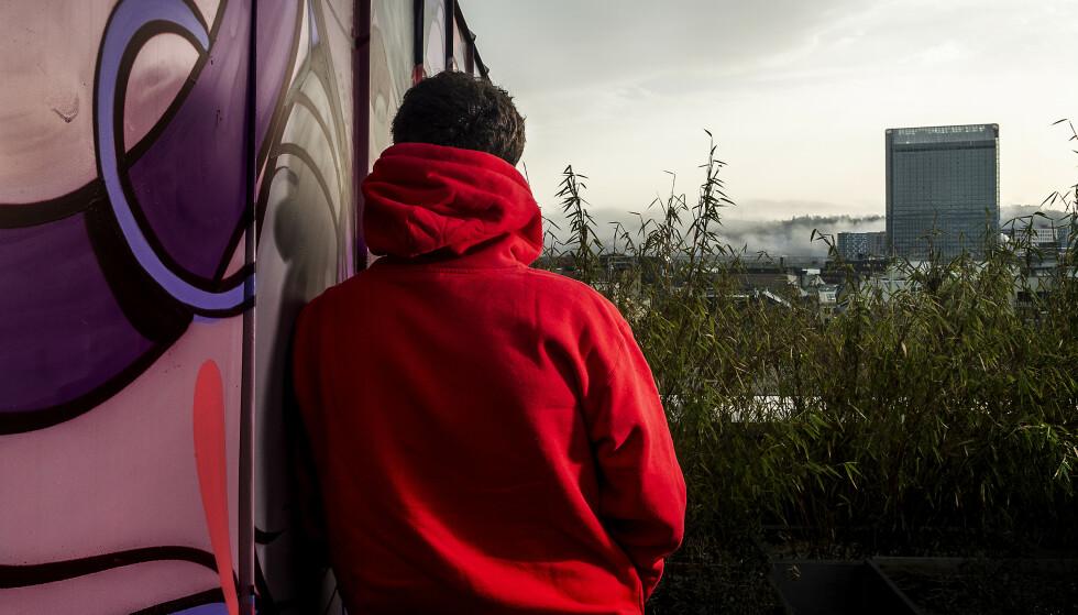 UNGDOMSSTRAFF: «Elias» har gjennomført ett års straffegjennomføring i regi av Konfliktrådet. «Elias» er ikke hans virkelige navn - han ønsker å være anonym. Nå har han lagt tiden som ung lovbryter bak seg. Foto: Hans Arne Vedlog / Dagbladet