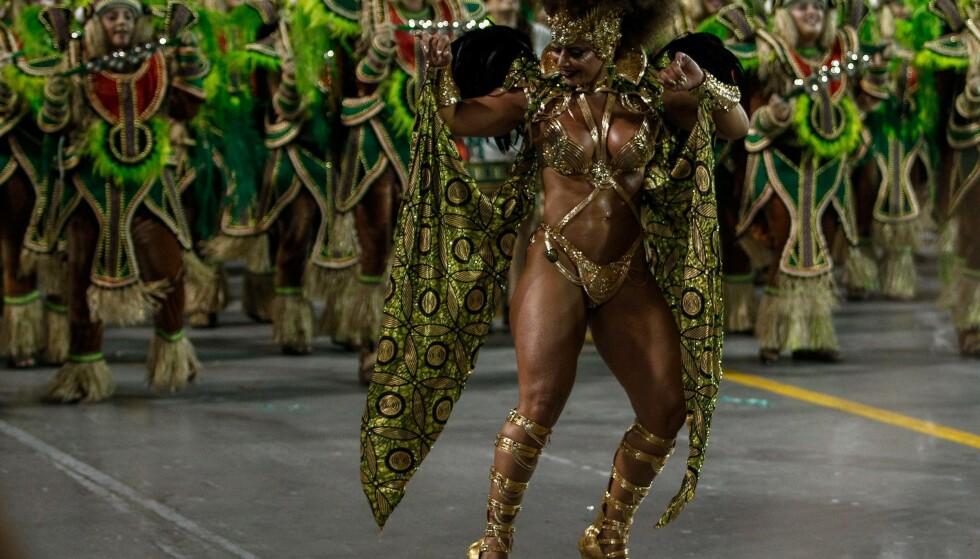 FEST: Sambadans i Sambadromen i Sao Paulo. Foto: Miguel Schincariol / NTBscanpix.