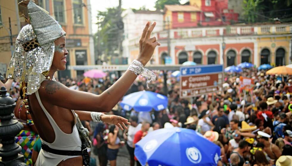 GATEFEST 2: Hvert år arrangeres hundrevis av gatefester i Rio de Janeiro under karnevalet som varer i en uke til ende. Foto: Carl De Souza / NTBscanpix.