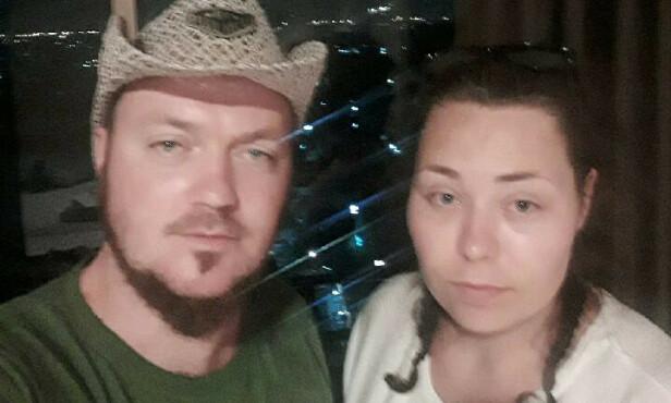 HAR FÅTT BILLETTER: Jimmy Hansen (30) og Maren Salbu (25) har nå fått billetter til Oslo 8. mars, etter det Hansen beskriver som en svært slitsom kommunikasjon med Thai Airways. Foto: Privat