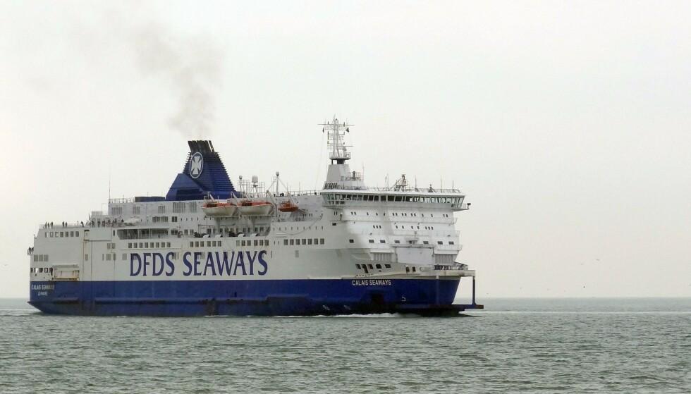 VELKJENT SYN: På avstand minner «Calais Seaways» til forveksling om danskebåtene som DFDS opererer mellom Oslo og København. Foto: Denis Chalet / AFP / NTB Scanpix