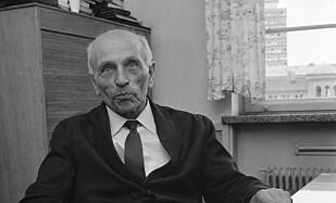 ARBEIDERHØVDINGEN: Martin Tranmæl (1879-1967) fra Melhus var en sentral skikkelse i Arbeiderpartiet og i fagbevegelsen i sin tid. Bildet er tatt i 1959. Foto: Børretzen / Aktuell / Scanpix