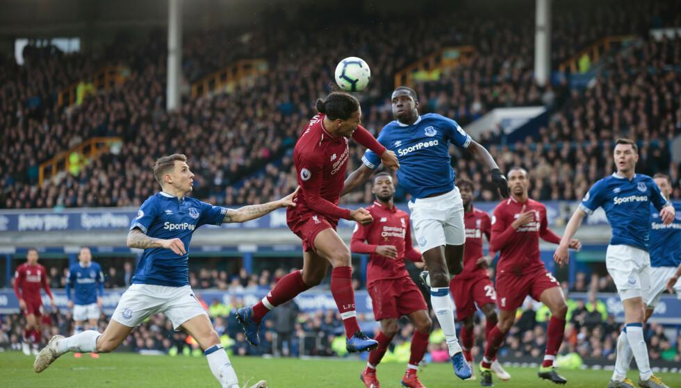 JEVN KAMP: Liverpool klarer aldri å sette skikkelig press på naborival Everton. Foto: JON SUPER/REX/SHUTTERSTOCK/NTB Scanpix