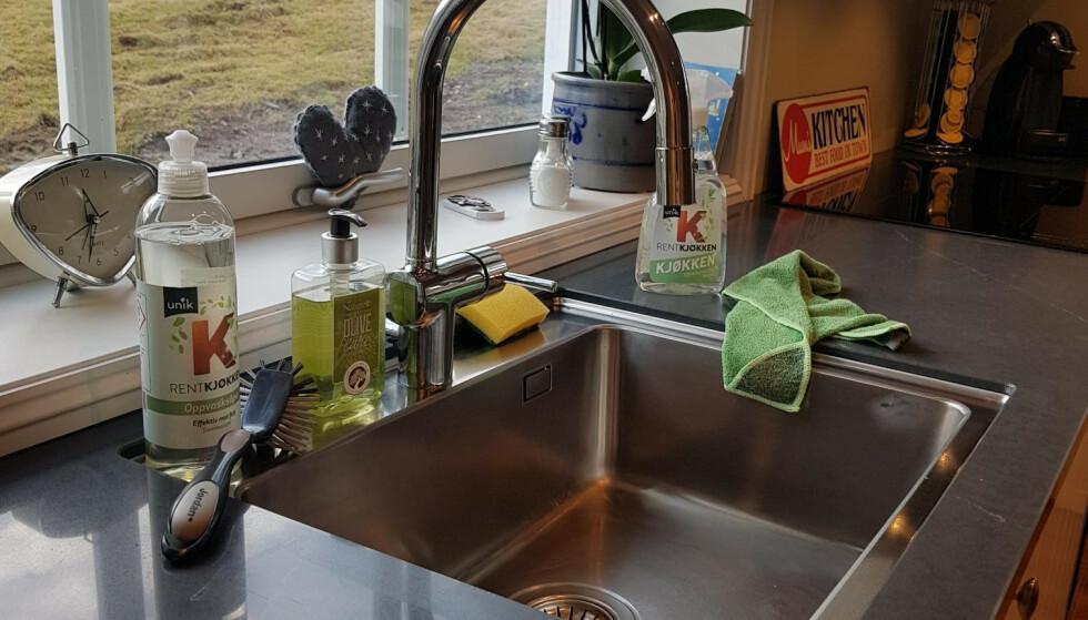 Fem familier fikk teste kjøkken-rengjøring. Her er dommen!