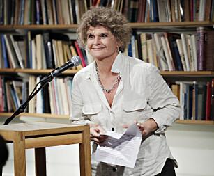 Litteraturkritiker og sykepleier Cathrine Krøger ble hyllet på Litteraturhuset i Oslo. Foto: Bjørn Langsem / Dagbladet