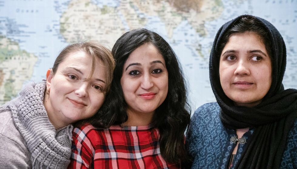 LEDIGE: Ukrainske Anzhelo Pleshko, indiske Kamal Kirti Sharma og pakistanske Tayyaba Iqbal sliter alle med å komme seg inn på arbeidsmarkedet. Foto: Øistein Norum Monsen / Dagbladet.