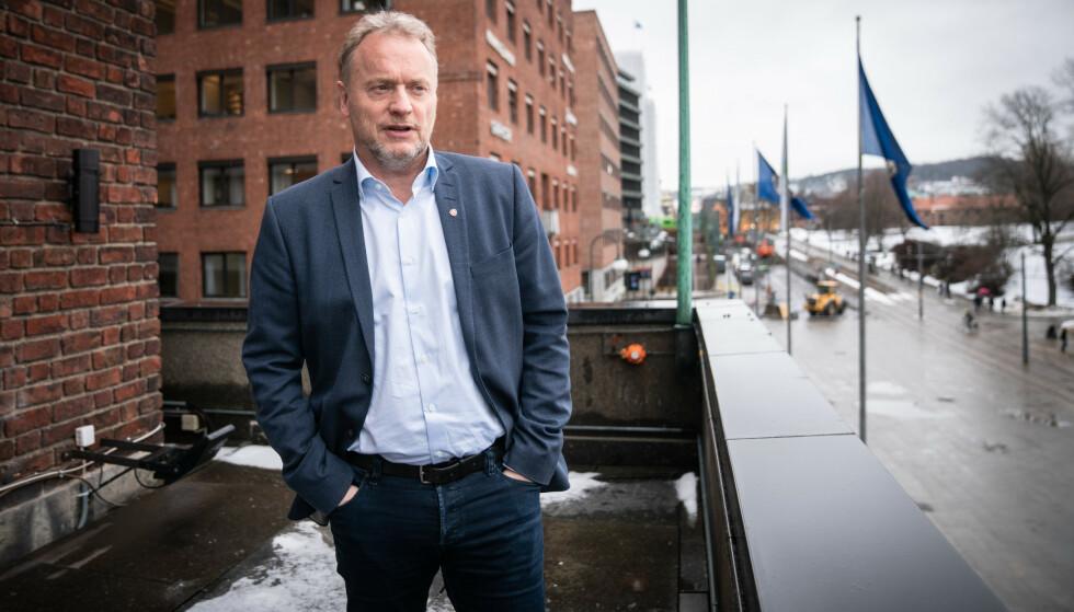 SLÅR TILBAKE: Byrådsleder Raymond Johansen mener dagens politiske ledelse i Oslo står for et taktskifte i intergreringspolitikk. Foto: Øistein Norum Monsen / Dagbladet.